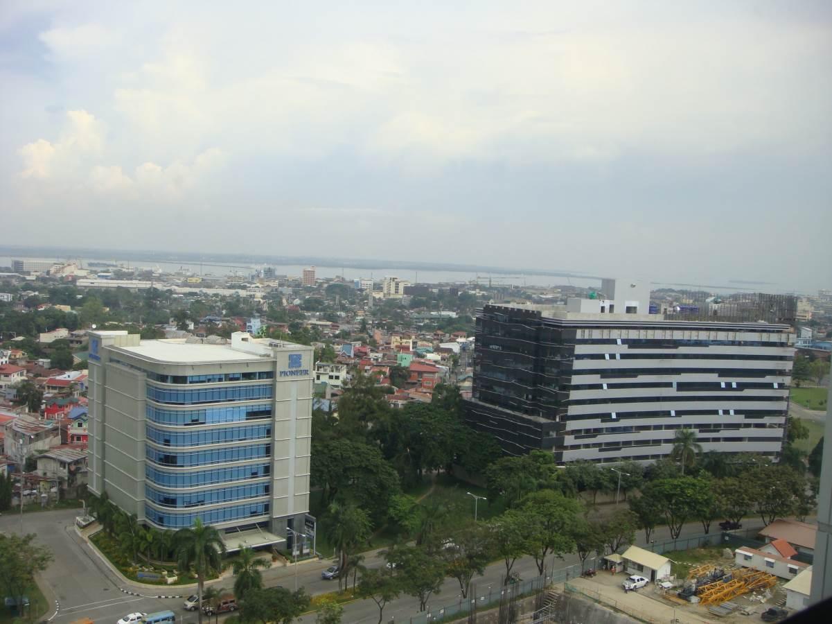 Avalon 1 Bedroom Condominium Unit for Rent near Ayala Center Cebu #634E3F