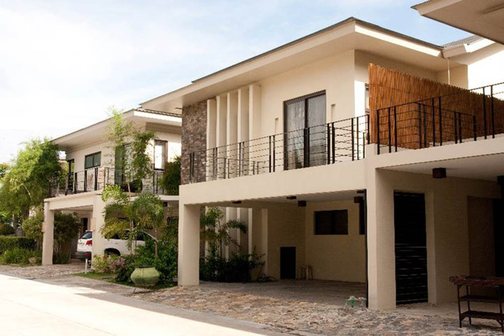 PANORAMA | Single Detached Villa House for Sale at Banawa on philippines house design, house and pool design, cebu house design, fiesta house community design, simple two-storey house design, house and roof design,