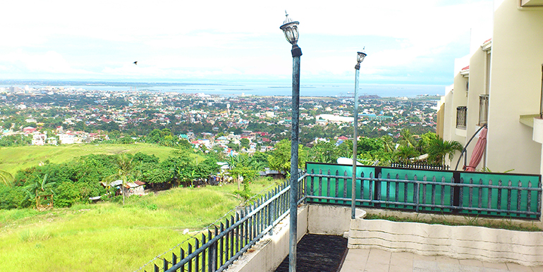 overlooking-house-for-sale-south-hills-labangon-cebucity (21)