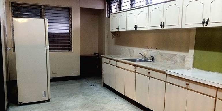 fully-furnished-bungalow-house-for-rent-guadalupe-heights-cebu-city (9)