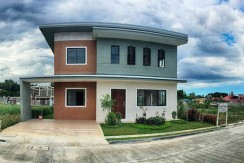 LUXURIA at Josefa Country Homes house for sale banawa cebu city