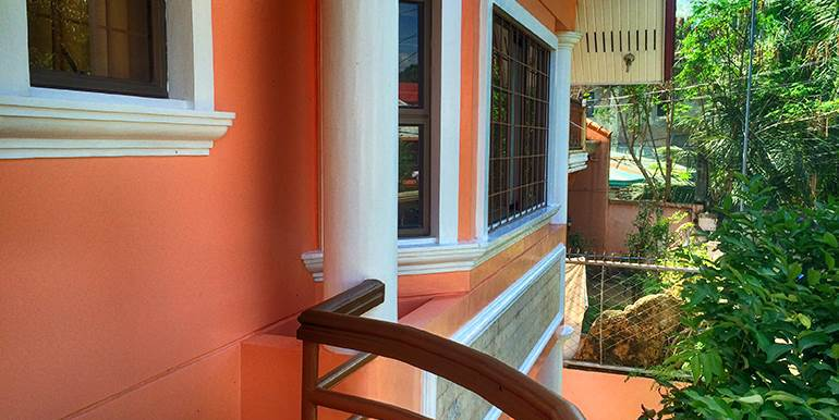 newtown-estate-3-storey-fully-furnished-house-for-sale-pardo-cebu-city (10)