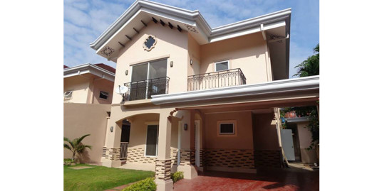 Pristine House and Lot for Sale at Banawa
